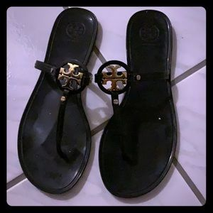 Tory Burch jelly sandals - black with gold emblem